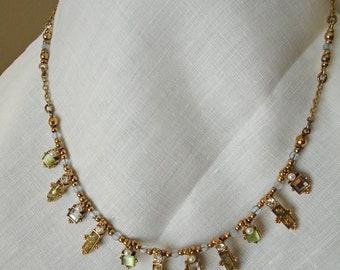 Avon Necklace (428)