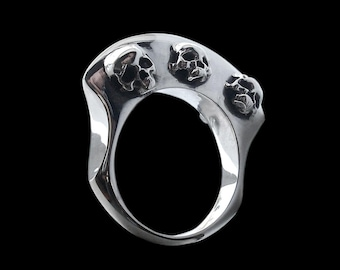 Viking ring - Sterling Silver Viking Warriors Axe skulls Ring - ALL SIZES