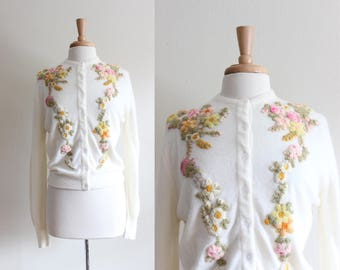 1950s Cardigan / Vintage Jacobson's Floral Embroidered White Cashmere Sweater