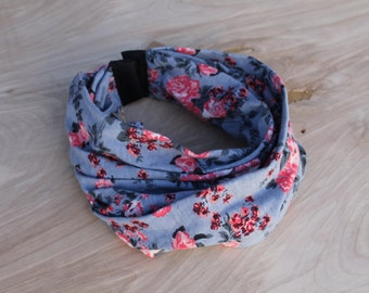 Baby Infinity Scarf Bib in grey and coral floral, Hipster Style Baby Bib, Jersey Knit Fabric and Plastic Snaps, Babies and Toddlers