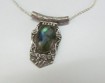 """Item 6104 - """"Drop of Aurora"""" Handcrafted & sculpted 999 Fine and Sterling Silver set with Stunning Labradorite"""