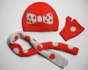 Hat, scarf and child mittens knit 100% hand-made in France - red gray together, creating