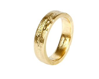 Cast wedding ring in reclaimed 18ct yellow gold 2mm x 6mm