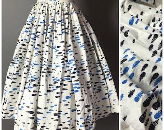 Vintage 50s skirt / 1950s skirt / novelty print skirt / super full pleated skirt / cotton skirt / 6015