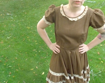 Vintage SQUARE DANCE Dress // Brown Ruffle 1960s Country Western Full Skirt Cotton Costume Dress // Halloween by Partners Please