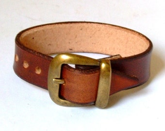 Thick leather buckle bracelet