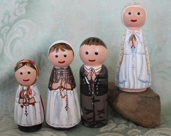 """Fatima Children and Our Lady of Fatima Peg Dolls  - Set of 4 Large 3.5"""" size"""