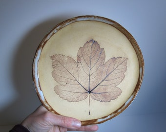 Stoneware with leaf imprint plate