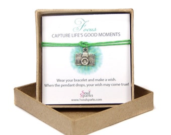 Camera Bracelet, Camera Make a Wish Bracelet, Capture Life's Good Moments, Photographer Gift, Photographer Jewelry, Just because gift