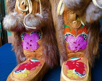 Incredible Beaded Mukluks Moccassins Vintage First Nations Native Ceremonial Boots Collectors