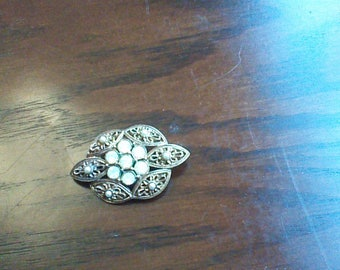 Signed Sarah Coventry Brooch
