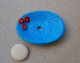 Soap dish with daisies Made to order -  Handmade stoneware soap tray with flowers and hole - Ceramic Bathroom accessory - Home decor