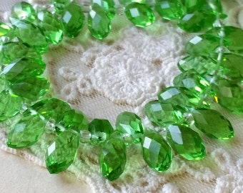 6 x 12 mm 48 Faceted Cut Tear Drop Shape Green Colour Glass / Crystal / Lampwork Beads (.tau)