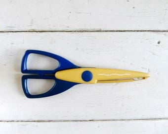 Scrapbooking scissors, decorative scissors, yellow scissors, scrolled edge, paper crafts, paper cutting