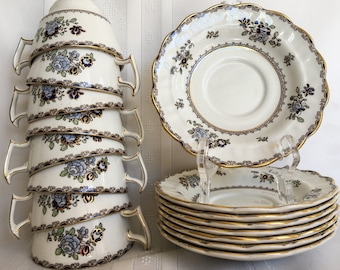 Beautiful 8 Cup and Saucer Tea Set - BOOTHS A8086 - Made in England