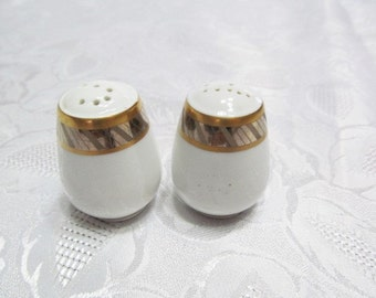 Rosenthal Germany Salt and Pepper Shakers, Desiree Pattern, Gold Trim