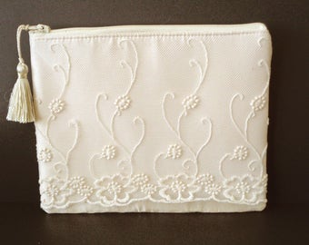 Ivory Clutch, Silk Clutch, Lace Clutch, Ivory Purse, Evening Bag, Brides Purse, Bridal Clutch, Bridesmaid Gift, Wedding Purse, Mother's Day
