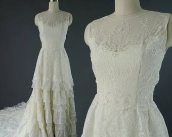 1970s Sleeveless Lace Trained Wedding Gown / Vintage Wedding Dress XS