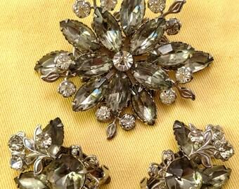 Beautiful Gray and Clear Rhinestones Vintage Floral  Brooch & Earrings Set Demi Parure