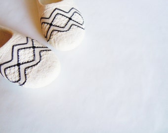 Felted slippers Rhombus