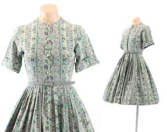 Vintage 50s Day Dress Novelty Needlepoint Floral Short Sleeve Dress Full Pleated Skirt Womens Rockabilly Fashion 1950s XS XXS Countrywise