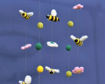 needle felted baby mobile, baby crib mobile, nursery decor, nursery mobile, baby gift, baby shower gift, bee mobile, flowers mobile