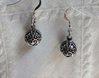 Silver Earrings with Antiqued Filigree Printed Round Charm, SE-302