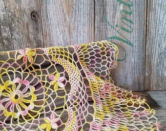 Vintage Round Doily Pink and Yellow, Vintage Round Dresser Scarf, Vintage Home Decor