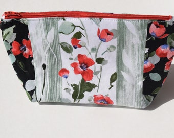 Red Poppy Cosmetic Bag/Makeup Bag, Zippered Pouch
