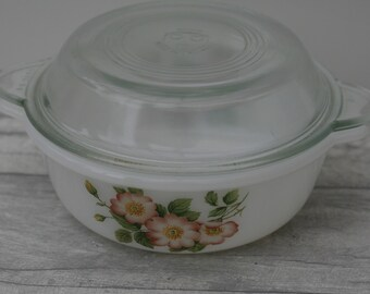Pyrex Casserole Dish with Lid, Pink Floral Pattern, Basin, Kitchenalia