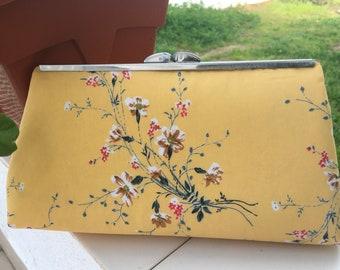 Floral Modern Clutch Purse, pattern by Upstyle