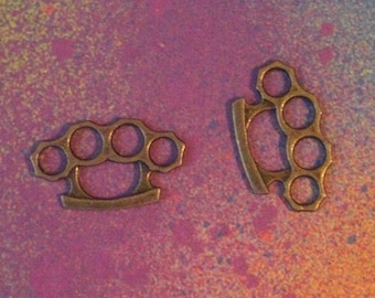 15 Brass Knuckle Duster Pendant Charms in Bronze