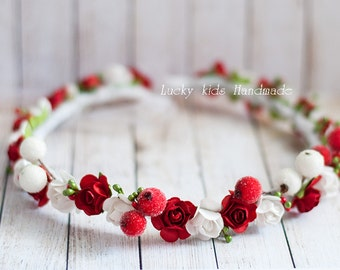 Floral crown, Red berry wreath, Red and white holiday crown, Wedding flower crown, Christmas hair wreath, Winter wedding, Woodland hairpiece