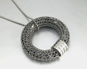 wire crochet stainless steel donut pendant filled with hematite chips
