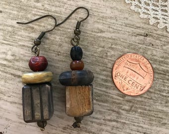 OLD AFRICAN TRADE bead earrings