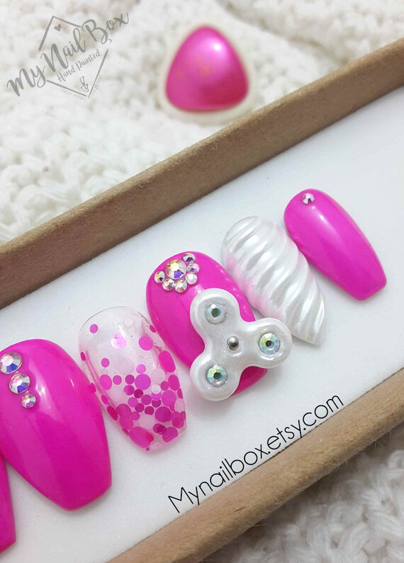 Sassy nails Fidget Spinner Press on Nails Pink nails