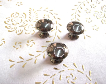 Italy Brass black nickel crome knobs in high quality. brass polished black nickel crome knob. Diam.mm.25, base mm.12, height mm.21.art.312