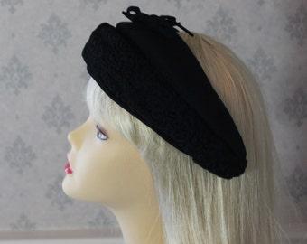 Vintage 1950s Black Wool and Lambswool Hat