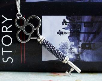 Skeleton Key Necklace, Silver Key Necklace, Antique Key Necklace, Seed Bead Necklace, Skeleton Key Pendant, Seed Bead Pendant, Rustic Key