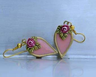 Vintage style pink teardrop earrings. Pink rose earrings. Victorian earrings, Dangle drop earrings, Pink dangle earrings. Romantic jewelry