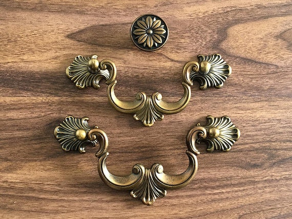 Luxury 4.25 Inch Cabinet Pulls