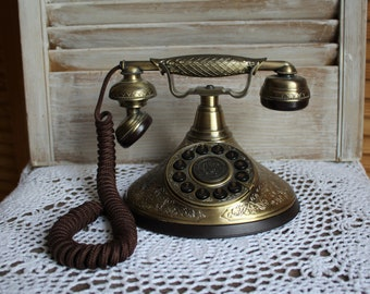 Vintage. Paramount collection. Reproduction. Telephone. Adorable phone! Model no 1935.