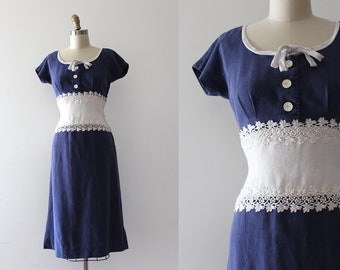 vintage 1950s dress // 50s blue and white dress