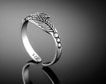 Sterling Silver Toe Ring.