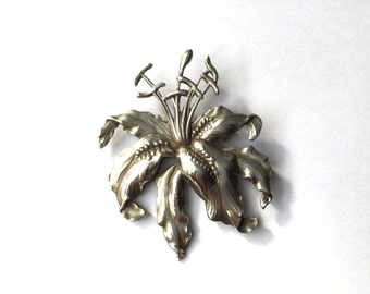 Lily Flower Brooch