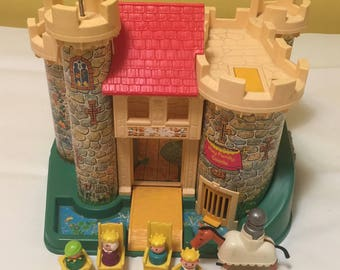 Vintage Fisher Price Little People Family Castle #993 Childrens Playset, Queen, Prince, Knight, Horse, Thrones, Bed