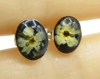 925 sterling silver - petite encapsulated real flower stud earrings - e1031