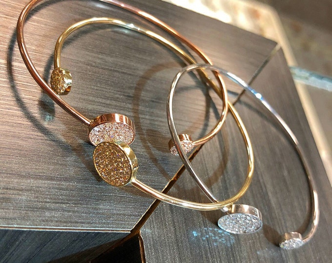 Diamond Bangle in 14k Gold