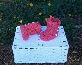 Pink boots, Girl boots, Christmas boots, Baby booties, Wrap boots, Crochet baby booties, Winter boots, newborn girl booties, Baby shoes