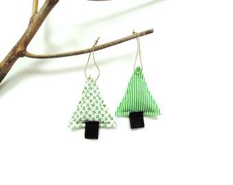 Balsam fir pine sachet set of two, tree trimming, pine and cinnamon chips Christmas balsam sachet, Christmas decor scented sachets